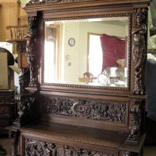 Horner Hall Seat